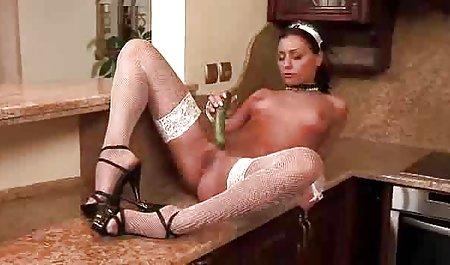ટીન જુવાન ગાંડ porn Vibrates તેના Pussy