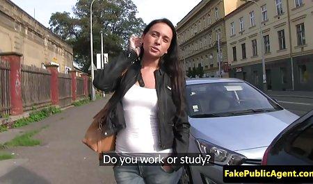 સુંદર વેબકેમ મહિલા અને તેના નકલી મફત પોર્ન યુવાન લોડો