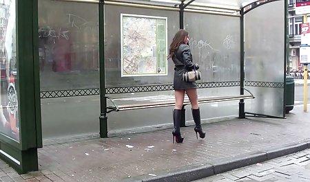 સૂક્ષ્મ મીની છોકરીઓ ની કામુક સેક્સ કાર યુવાન ચામડાની પટ્ટી લઇ રહ્યા mommy