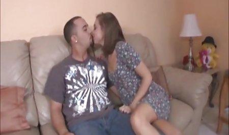 પતિ પુખ્ત સાથે યુવાન પ્રેમી ફિલ્મો તેના MOM