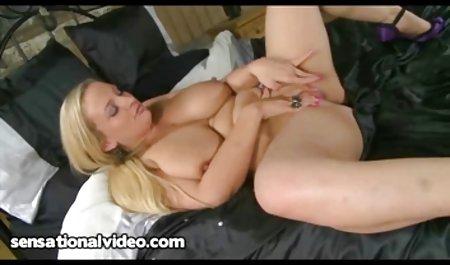 પ્રતિબંધિત સેક્સ સાથે યુવાન કાકી BDSM પેટા ચાબૂક મારી અને ભોસ ચુત રમાય છે